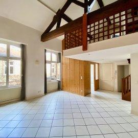 Appartement en duplex, 70 m2, Bordeaux hyper centre, au calme sur cour, entre Pey-Berland et Saint-Christoly