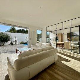 Bordeaux Mérignac Saint-Augustin, rénovation complète maison familiale 240 m2, piscine, garage, jardin, 4 chambres, prestations haut de gamme